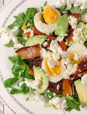 Picture of salad with roasted pepper with feta cheese