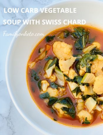 Picture of a bowl with low carb vegetable soup with cauliflower and Swiss Chard