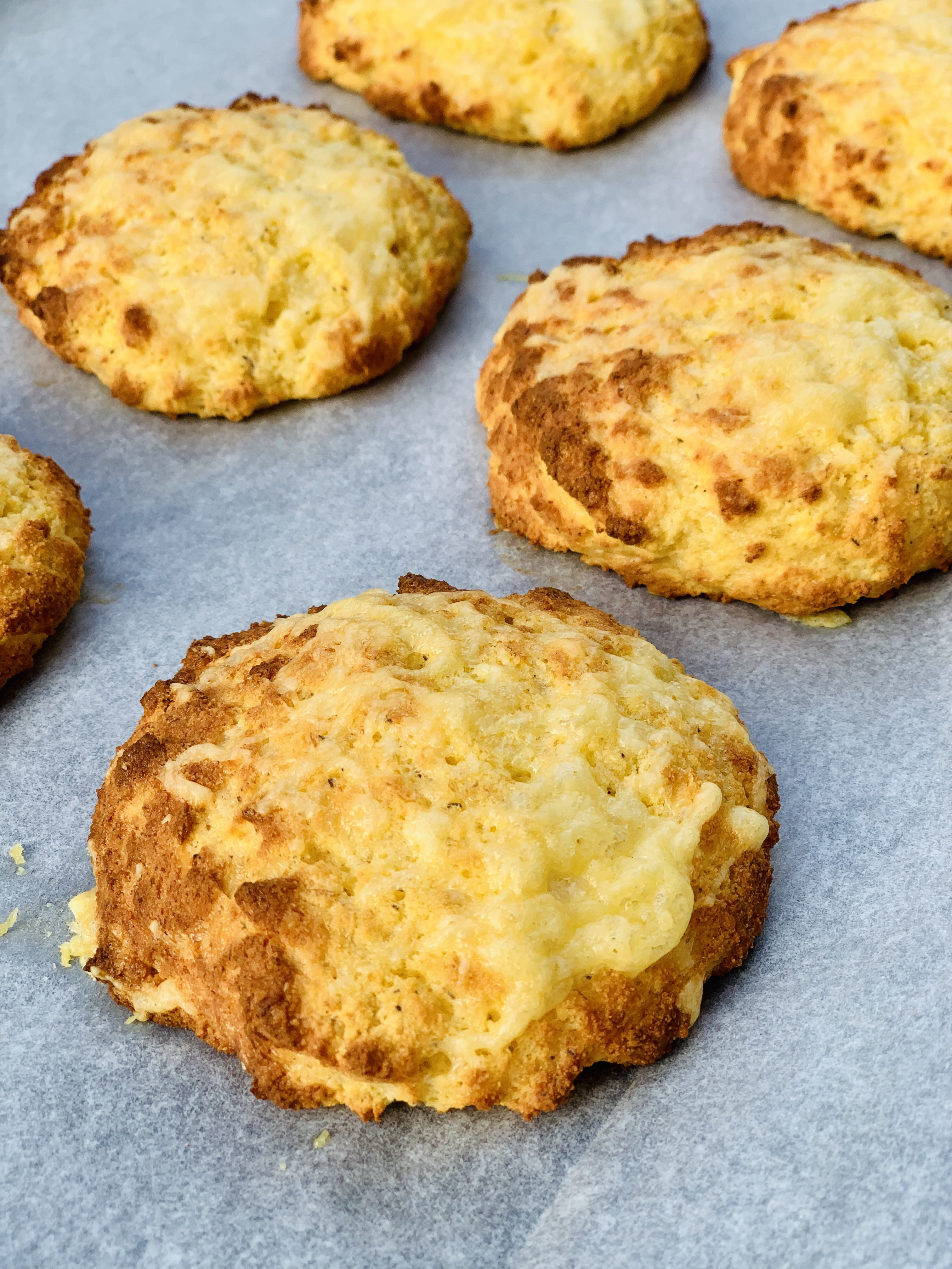 Picture of freshly baked keto cheddar biscuits