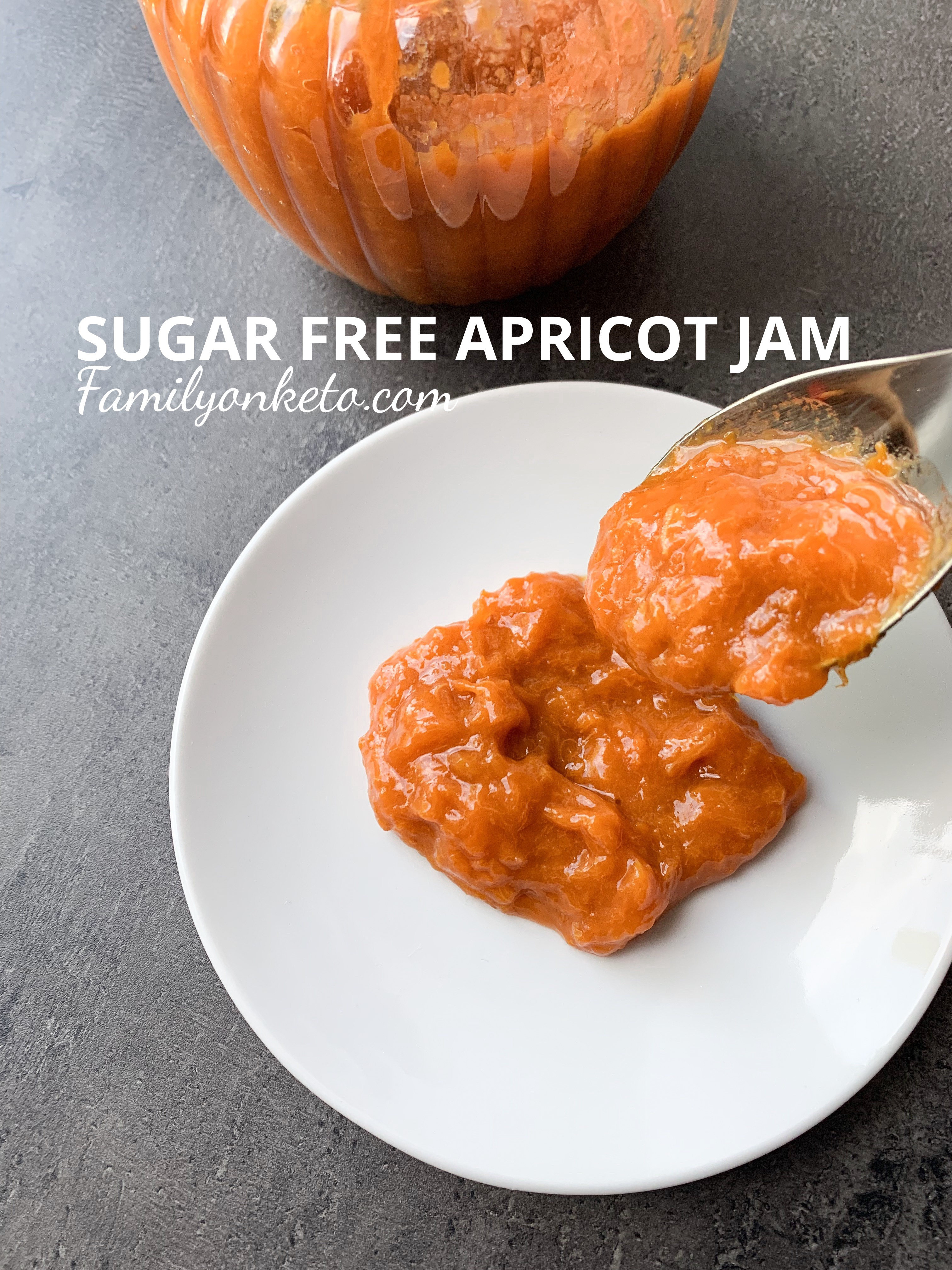 Picture of sugar free apricot jam in a spoon and on a plate