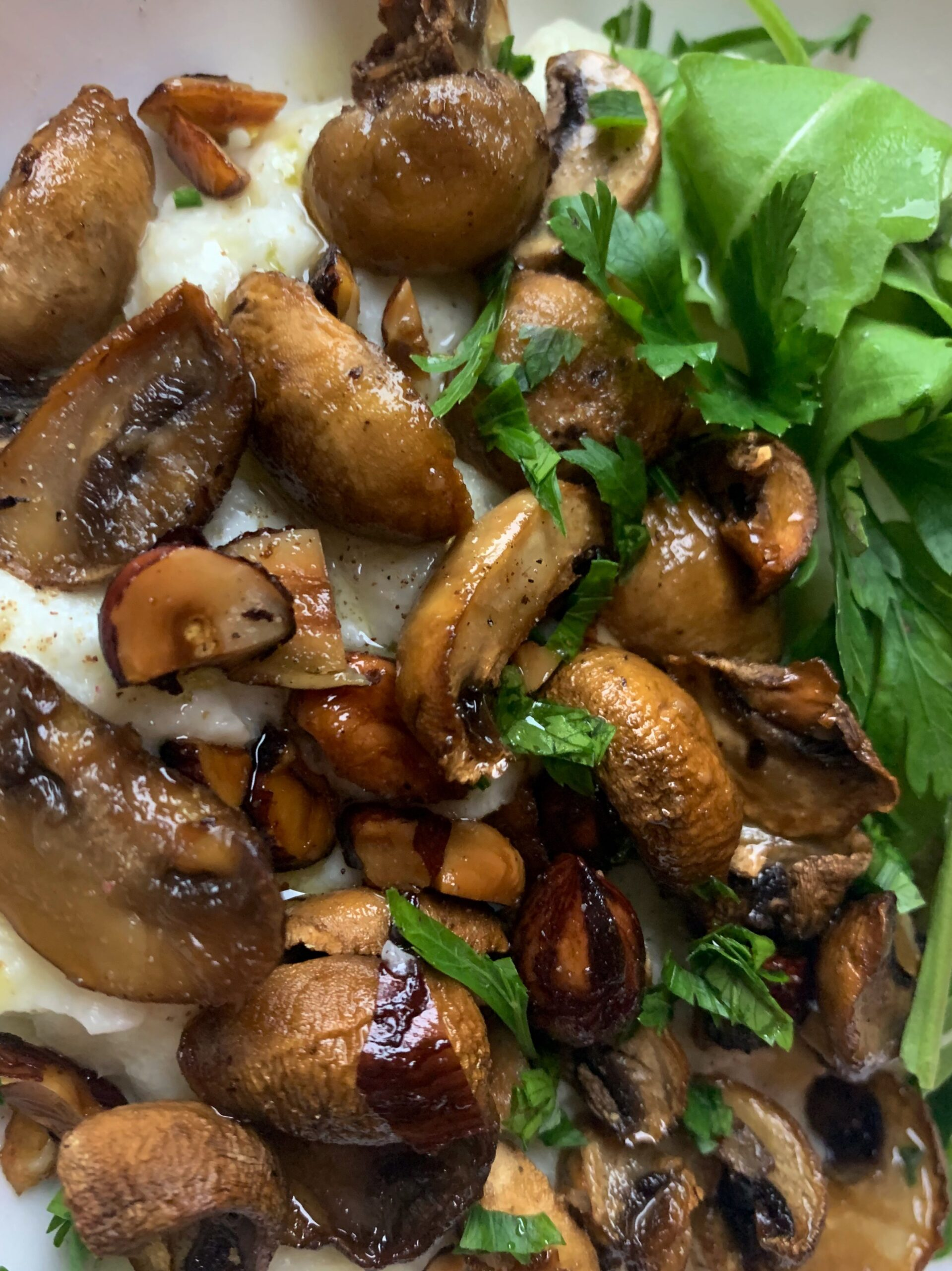 Picture of low carb mushrooms and roasted hazelnuts
