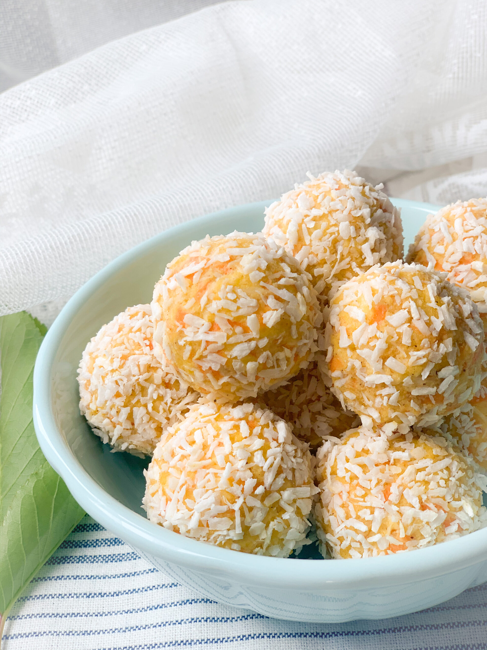 Picture of low carb raw energy balls