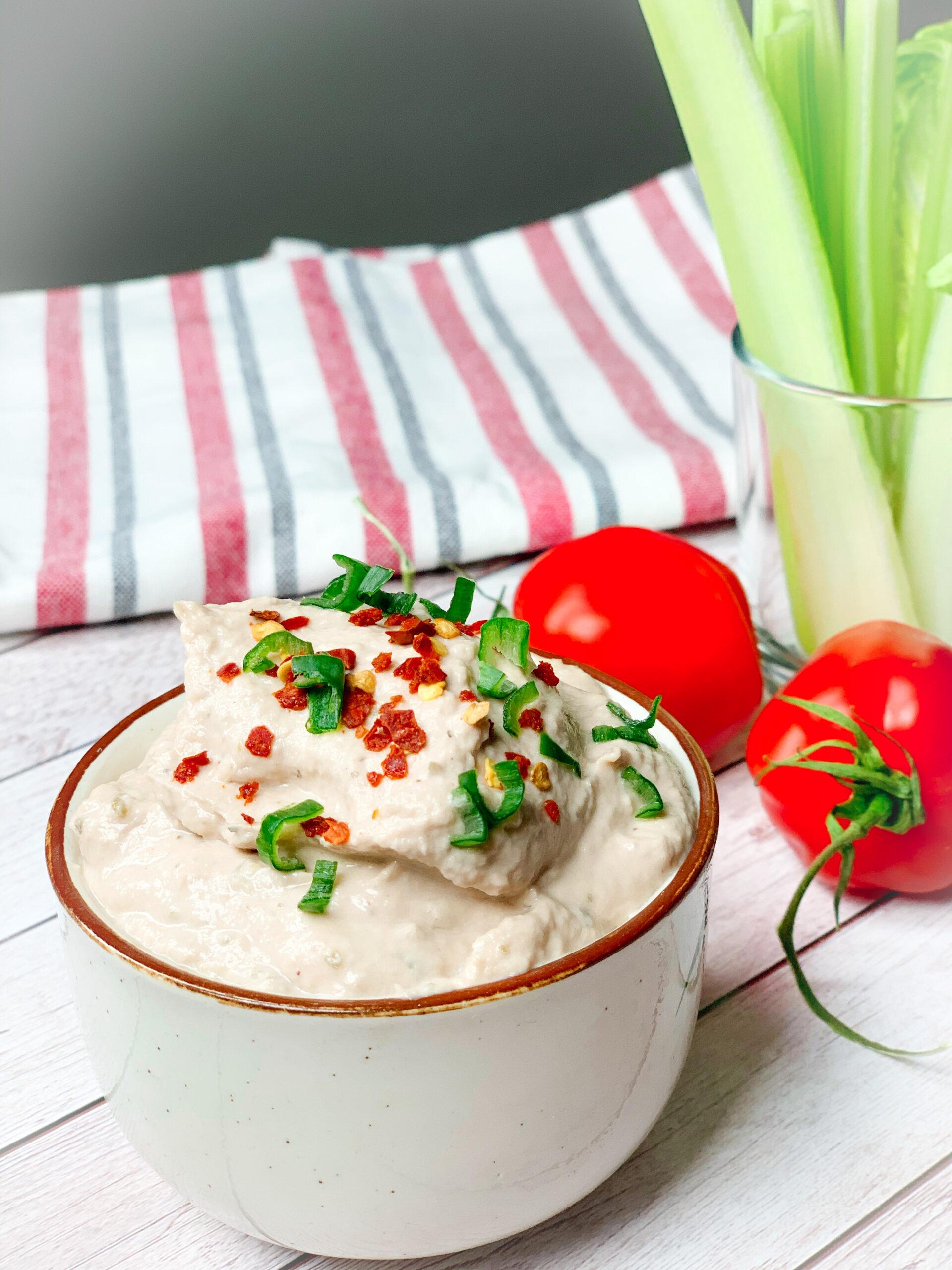Picture of canned tuna recipe for keto tuna spread in a bowl.