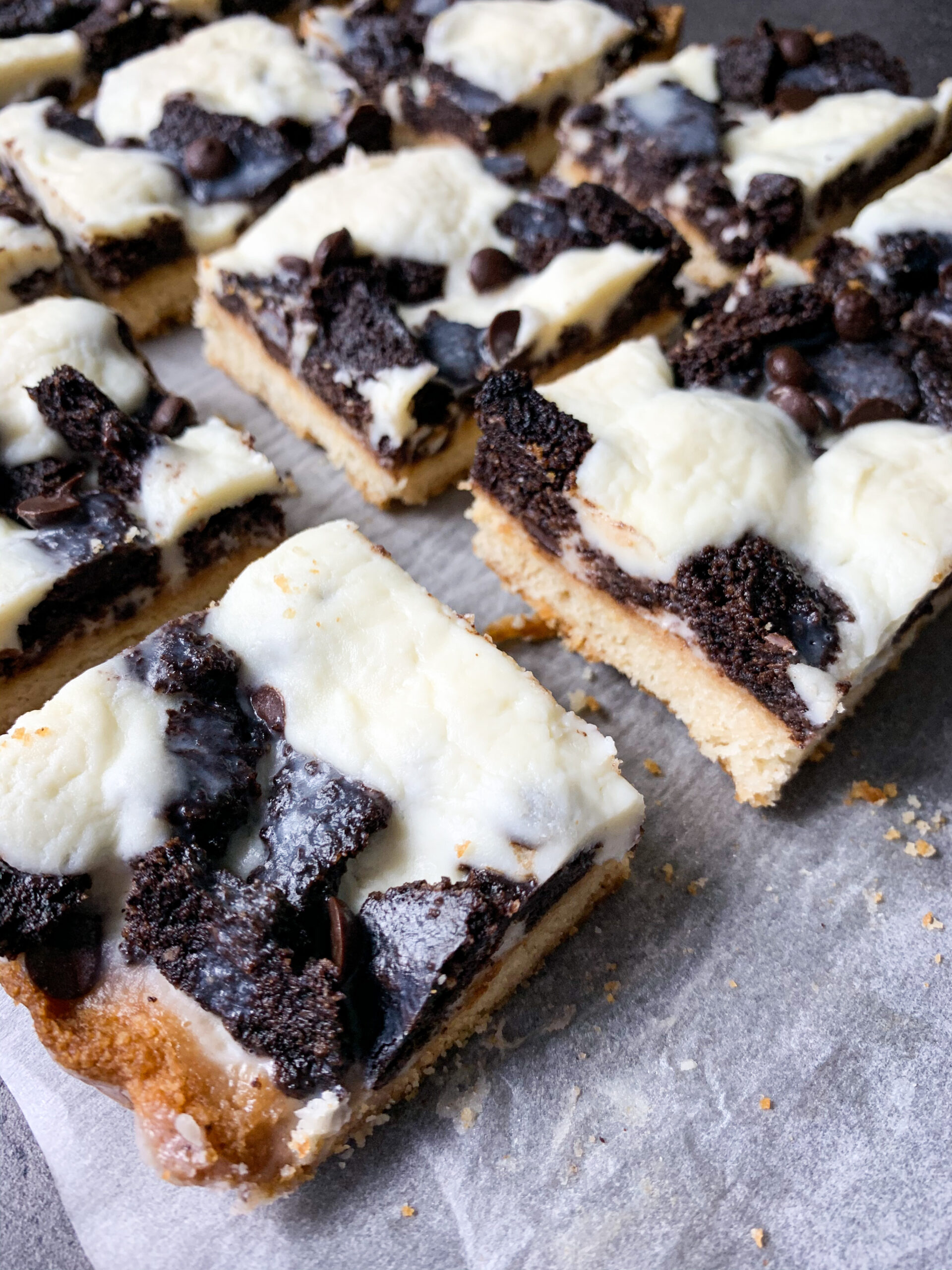 Picture of crispy keto magic cookie bars with keto Oreo topping