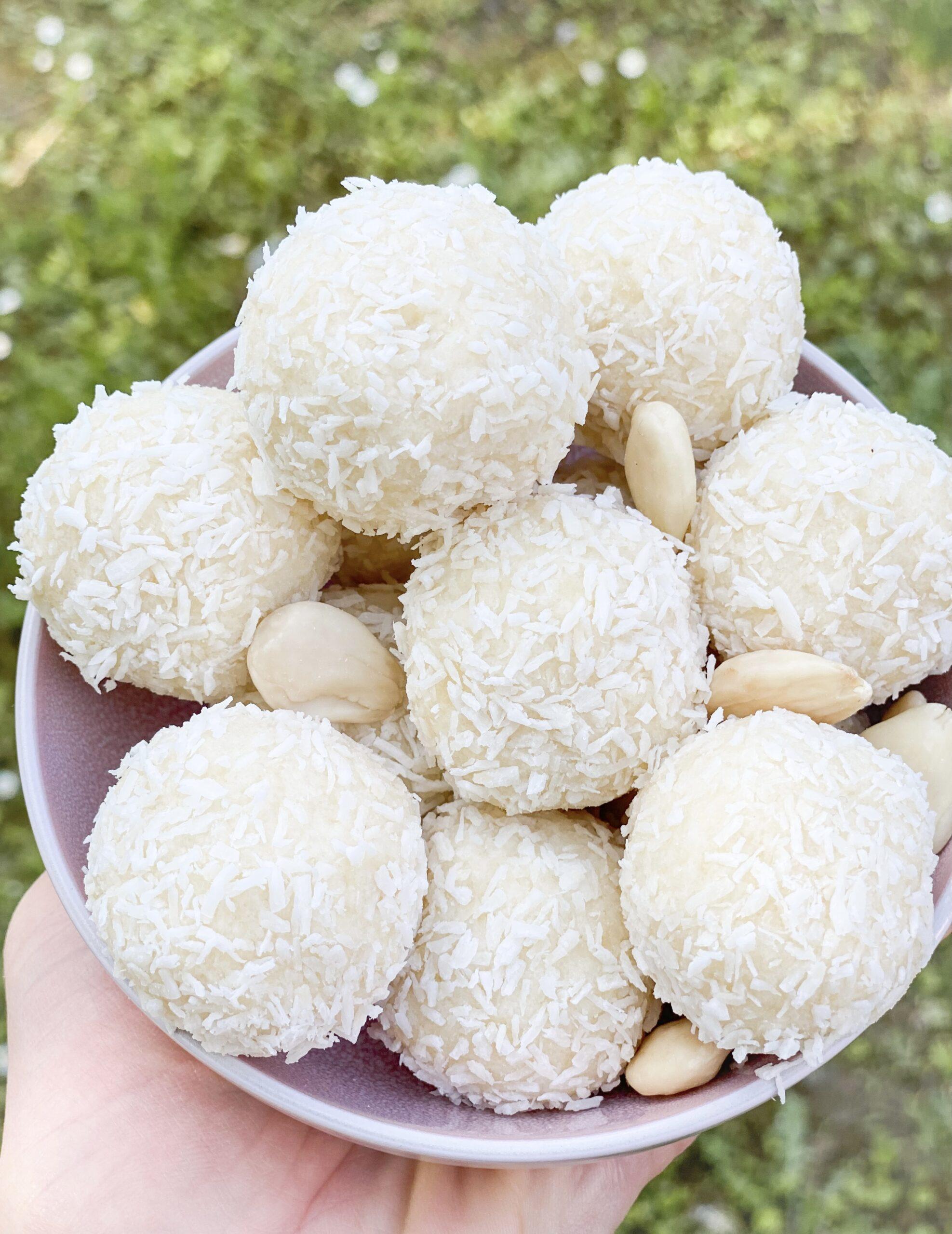 Keto raffaello coconut almond fat bombs