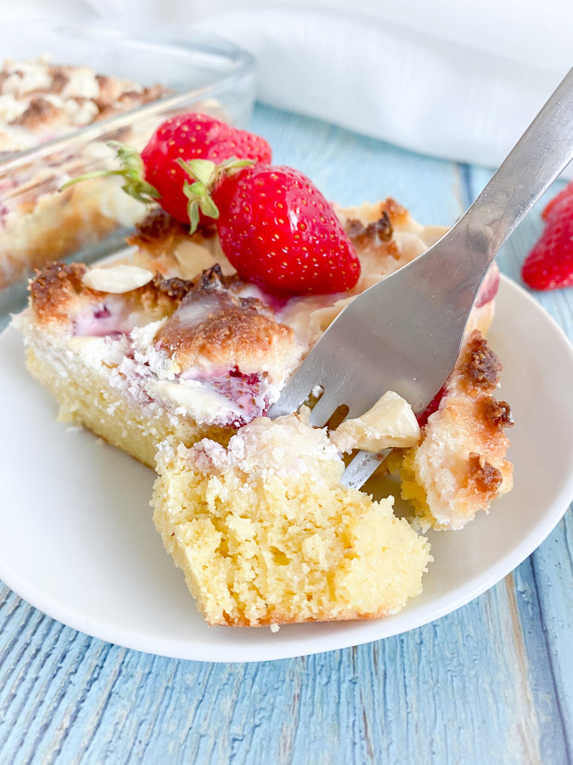 Picture of keto strawberry coffee cake slice