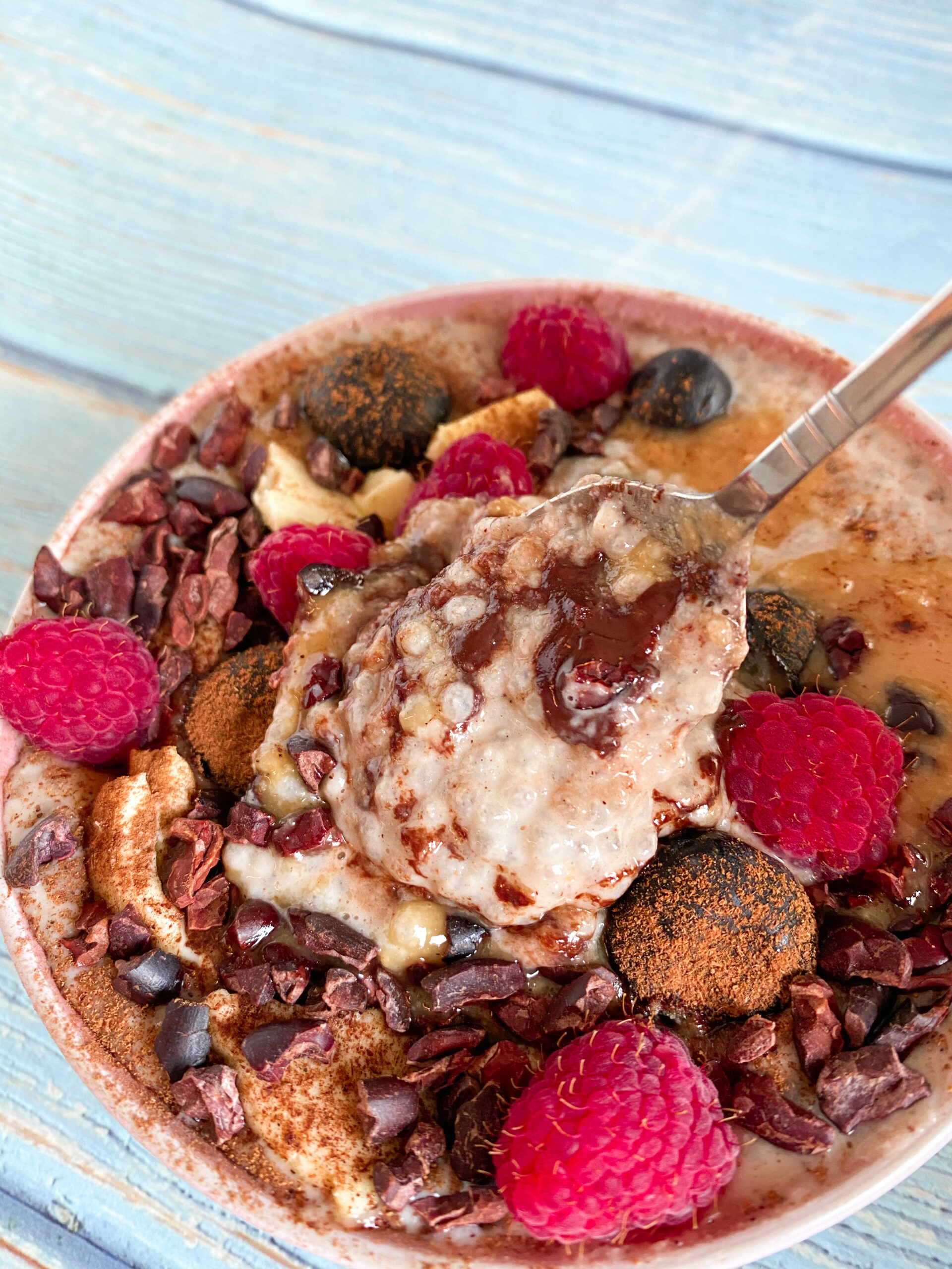 Picture of keto vegan porridge bowl